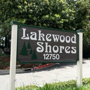 About Lakewood Shores Community